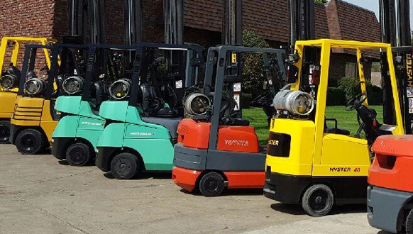 Group of forklifts ready for forklift repair